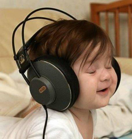 http://2.bp.blogspot.com/-YjtBaZJcz9I/TztwxMJOcnI/AAAAAAAABj4/LRCTxkQvxJM/s1600/BabyListeningWithHeadphones.jpg