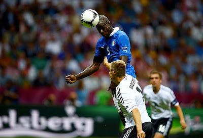 Italia - Germania, 2-1: ein, zwei, t'incoolai Balotelli-testa