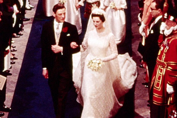The Royal Order Of Sartorial Splendor Wedding Wednesday Princess Alexandra Of Kents Gown
