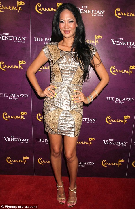 article 2158202 13912C42000005DC 92 468x723 Kimora Lee Simmons continues living the fabulous life in Vegas ... amid ...