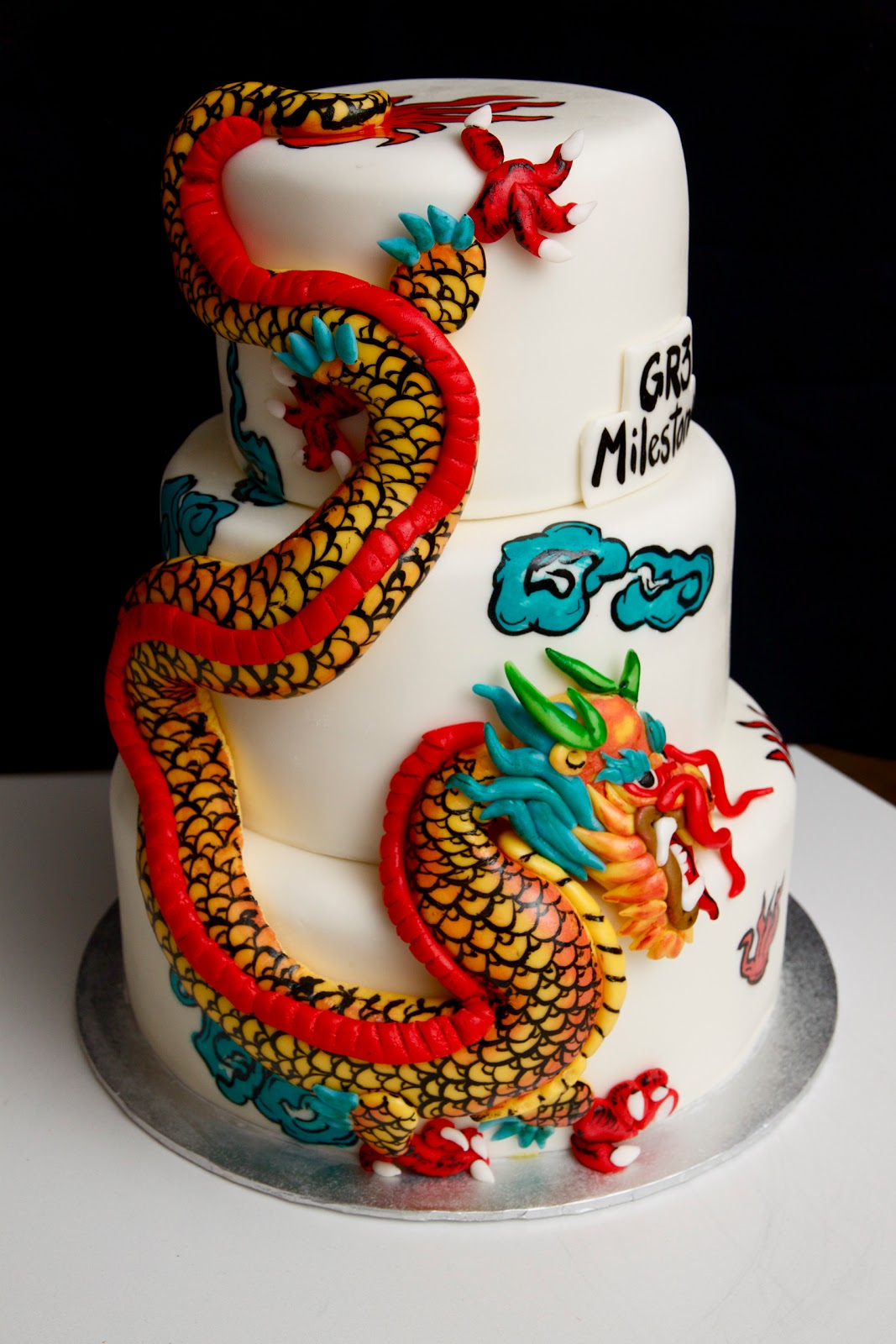 chinese dragon cakes