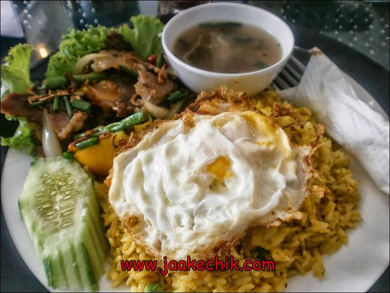 tempat makan best di kelantan, tempat makan di kelantan, restoran sedap di kota bharu, makanan, EMAS 10 PERAK 10,
