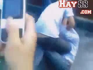 Xem video clip nữ sinh Yên Bái đánh nhau tụt quần