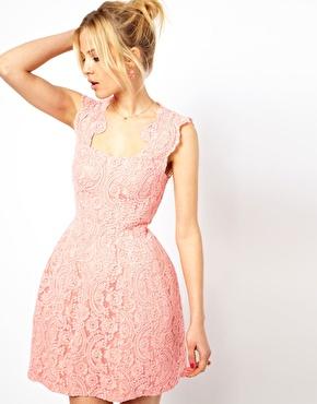 Kleid eng rosa
