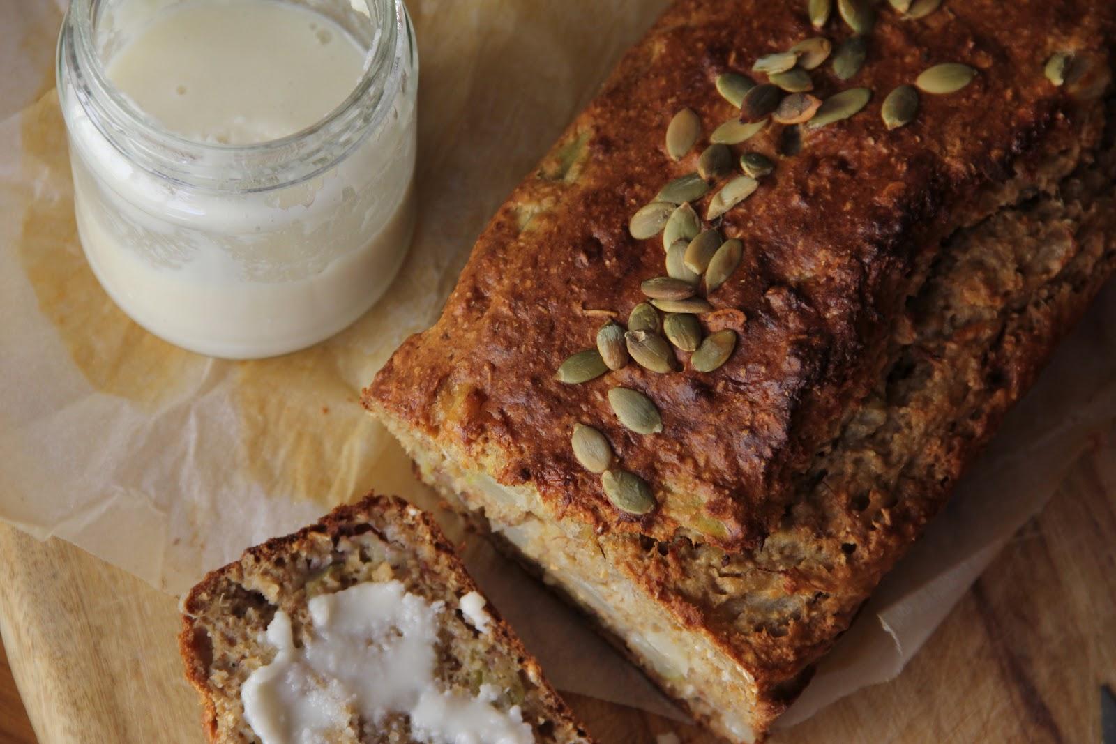 bona food: Wholemeal Pear & Banana Loaf