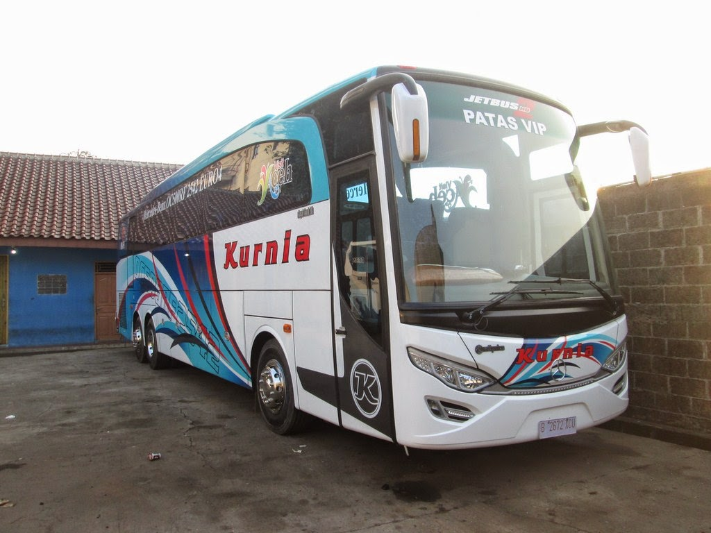 transport-spec: Bus Terbaru Kurnia Mercedes-Benz OC500RF 2542