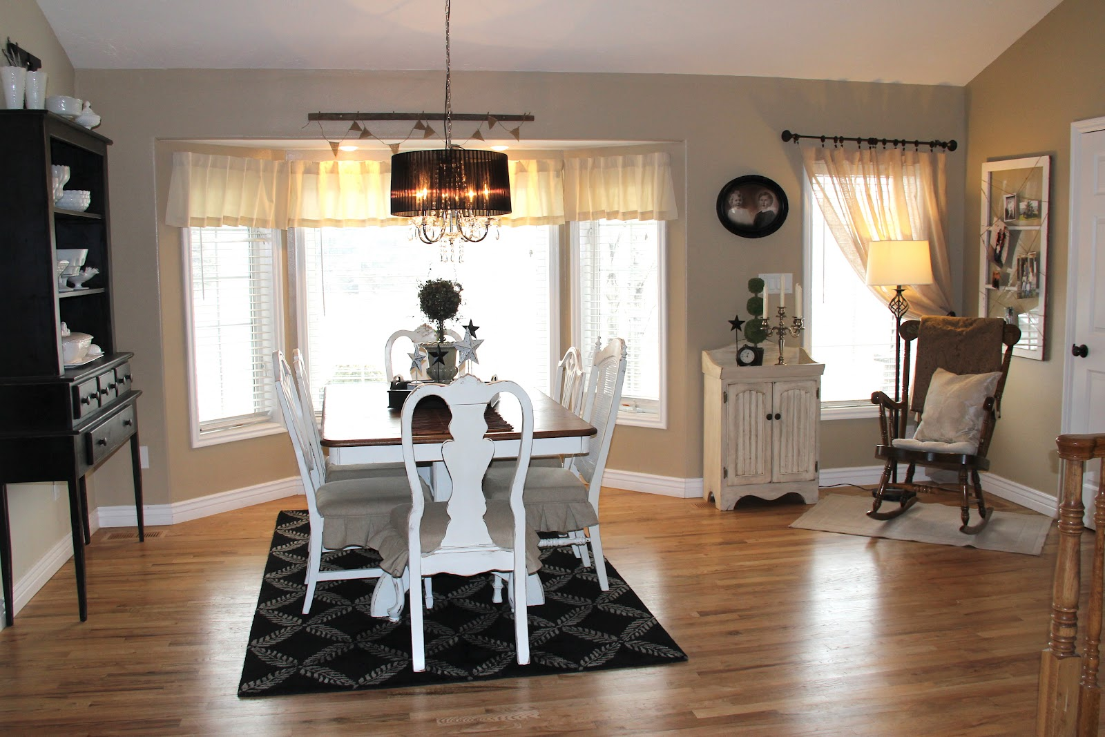 White Place Flea Market: {A Dining Room Makeover