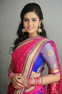 Sri Mukhi latest gorgeous looking Pictures 003.jpg