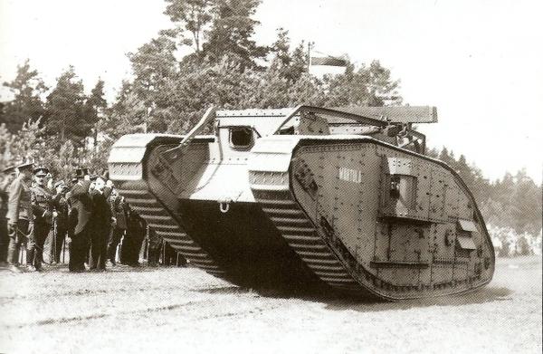 Takom+2034+Mk.V+WWI+Heavy+Battle+Tank+-+