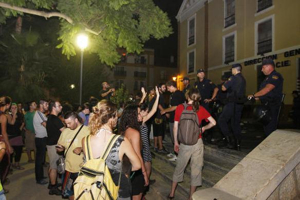 Concentración frente al CIE, 6 de Agosto: ¡Queremos asilo político para Bouziane!