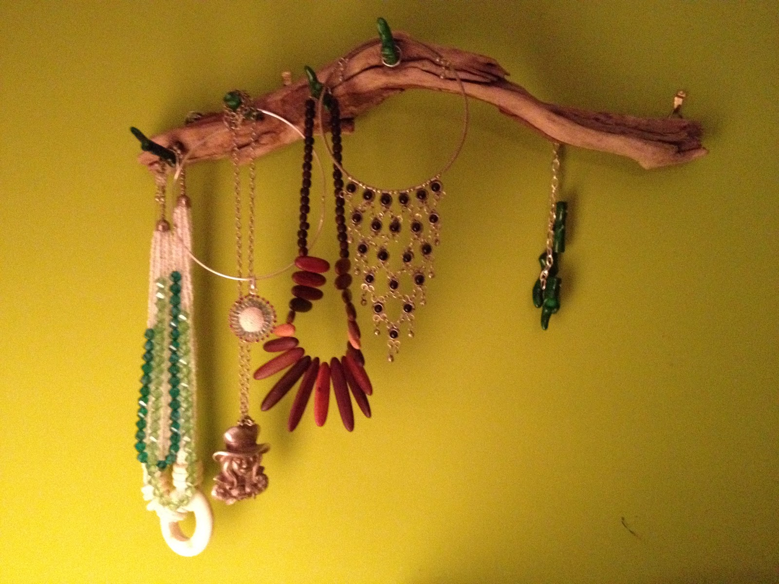 Giosssdecora porta collane con legno di mare e corallo - Porta collane da armadio ...