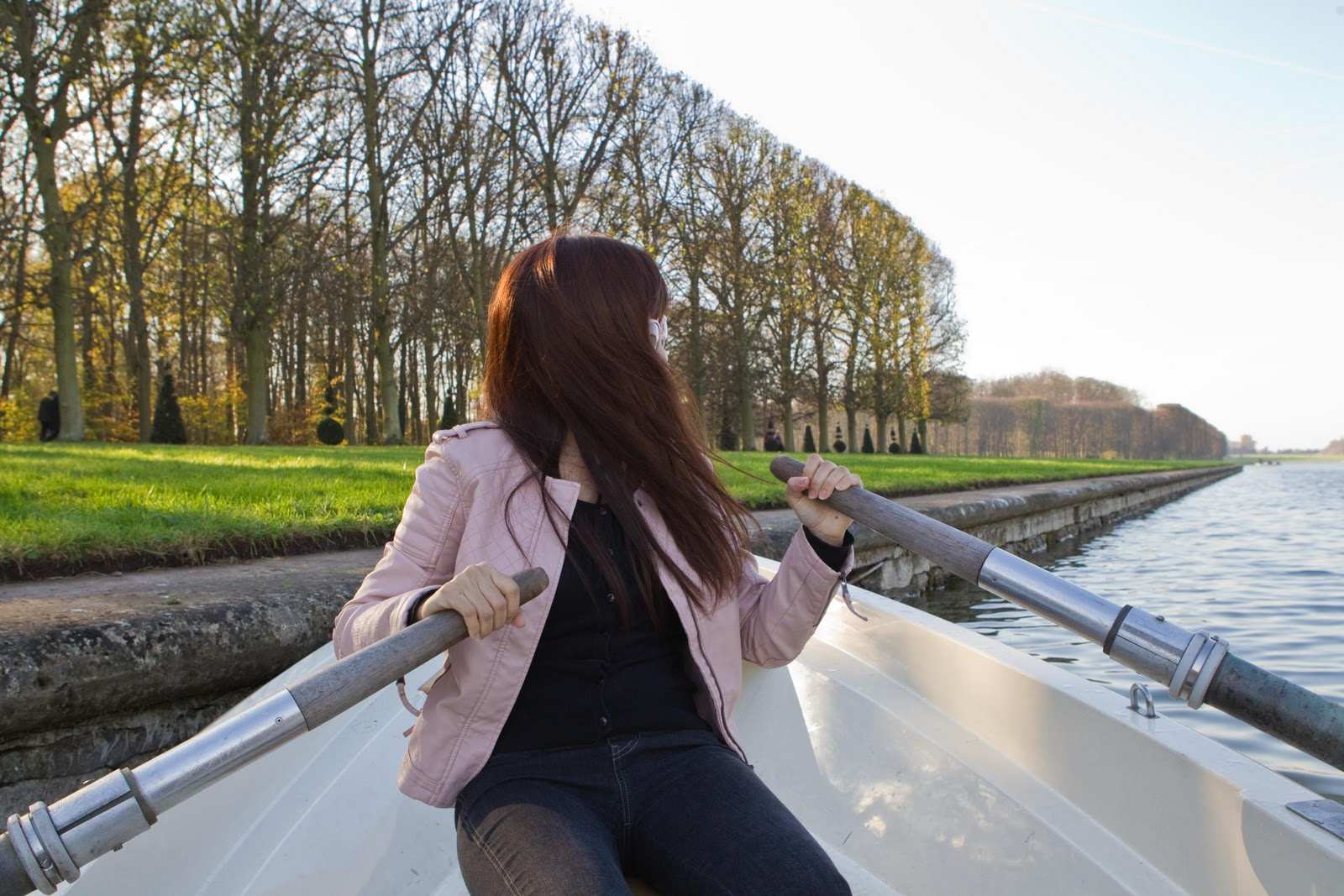 http://2.bp.blogspot.com/-YltHNVt-OuI/TygG13ZDmHI/AAAAAAAAiaA/oEzKW98oH7s/s1600/Versailles+rowing+boat-7.jpg