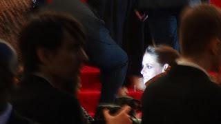 Kristen Stewart - Imagenes/Videos de Paparazzi / Estudio/ Eventos etc. - Página 31 DSC01396