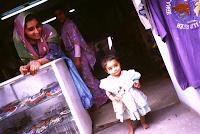 Verkäuferin in Kathmandu