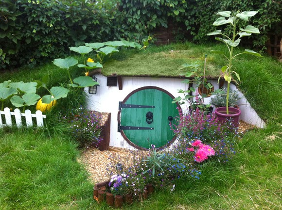 Let's look at the production process! ! The Hobbit House where there is room under such as vertical hole dwelling, very cute ground! !