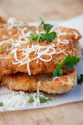 http://simply-delicious-food.com/2011/07/15/pecorino-crumbed-chicken/