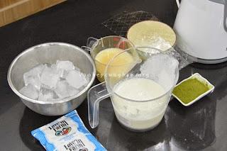 Cách làm kem trà xanh đậu đỏ bằng máy xay sinh tố 1