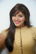 Anjali latest glamorous photos-thumbnail-6