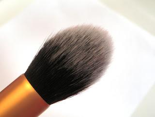 Real Techniques core collection - Contour Brush.