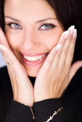 Flirting-Tips-For-Shy-Girls - لماذا يحمر الوجه خجلاً في مواقف معينة - احمرار الوجه