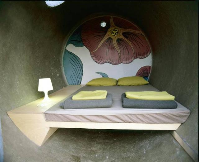 Unusual Hotel - Drain Pipe Hotel