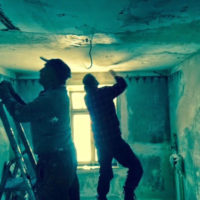 Bouwval Gezocht en Gevonden Kamer 9 kan geschilderd worden, wie oh wie? # Wasbak Duits_043752
