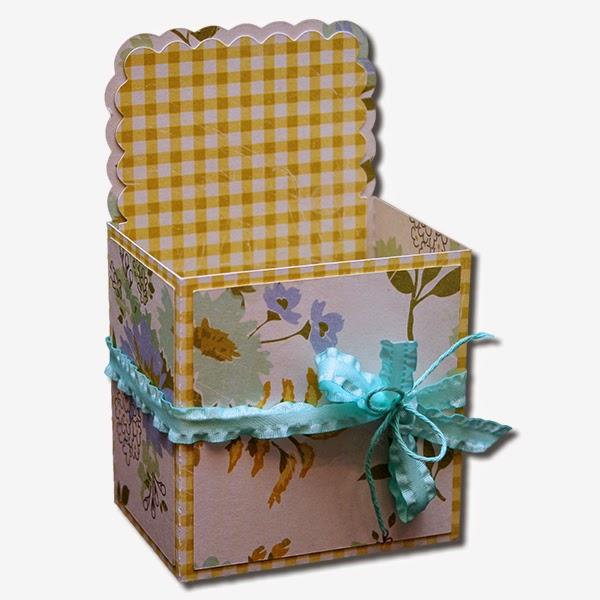 Bits of paper decorative gift boxes