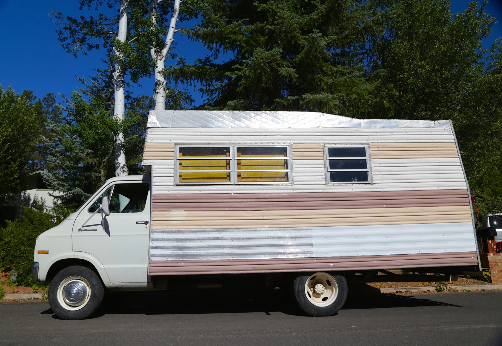 1972 Dodge Sportsman RV.