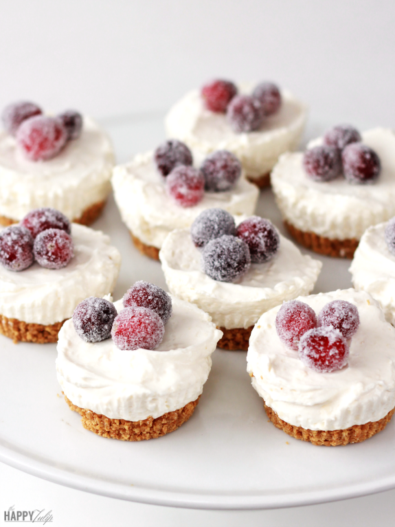 Mini Cheesecakes with Sugared Cranberries │ thehappytulip.com