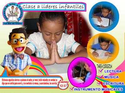 Clase de lectura bíblica, oración, enseñanza de la biblia y principios bíblicos