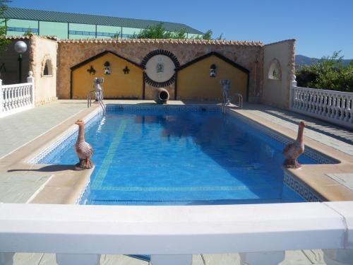 Sientase comodos for Hacemos piscinas