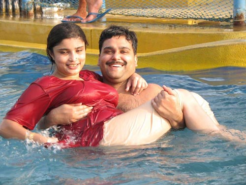 Wet Sexy pics of desi girls in swimming pool on blogspot. Com takes like