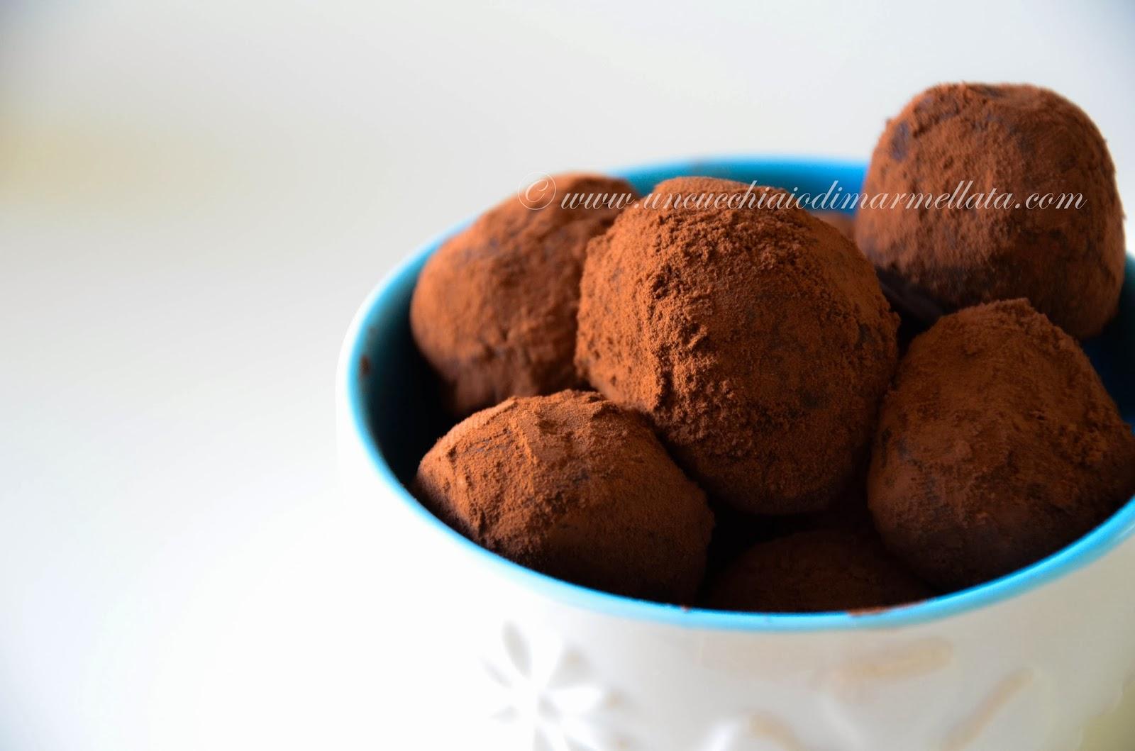 tartufi di cioccolato all'arancia