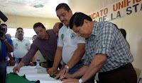 Firma contrato sindicato bananero sutrafco