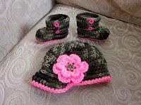 gorro+de+croche+para+bebe+com+botinha+de+croche+camuflado+do+exercito+militar