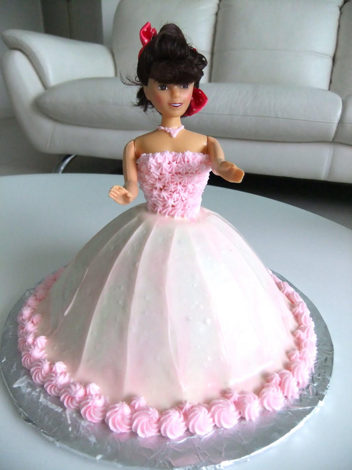 Princess Doll Cake Pictures : Prayers, Hugs & Diapers: Princess Doll Cake