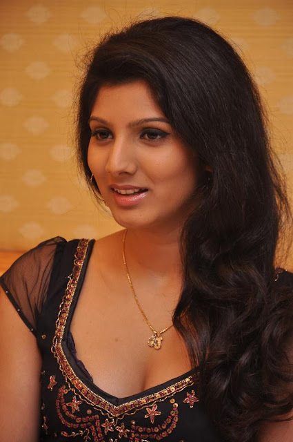 Joshna very hot and spicy latest Photoshoot Hq photos