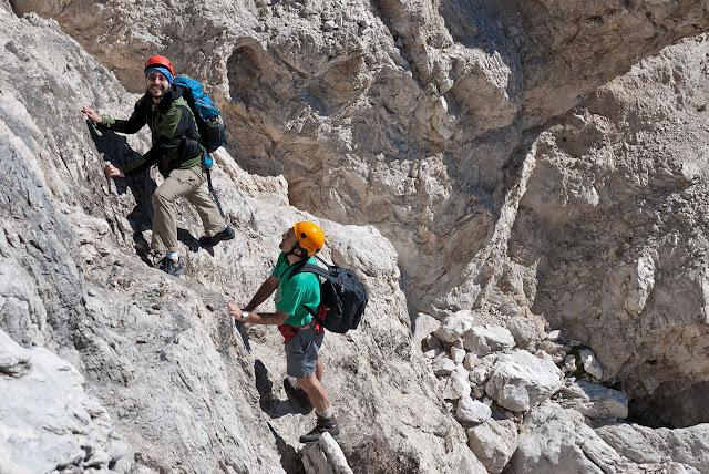 Un saltino roccioso all'inzio della via Cieri al M. Infornace