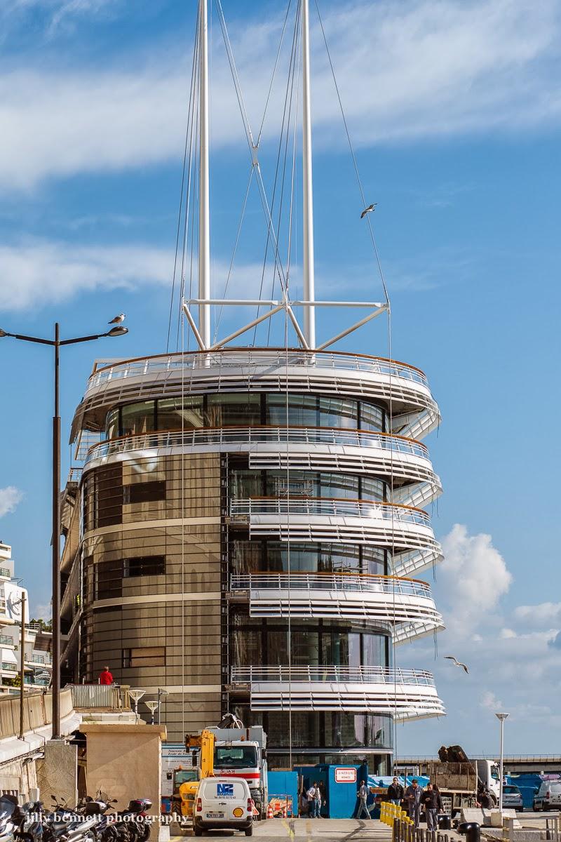 Monte carlo weekly photo the new yacht club de monaco for Monte carlo yacht club