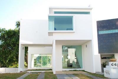 residencia minimalista fachada