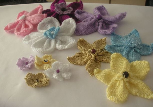 Flower Knitting Patterns Free : Knitting Galore: Knitted Flowers- Free Pattern