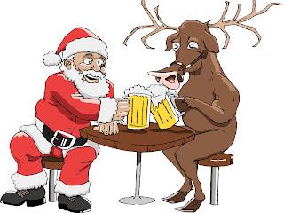 Papá Noel brindando con un reno