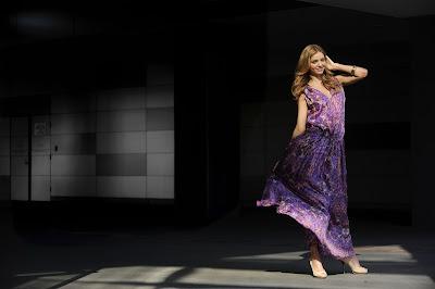 Miranda Kerr nice dress HD Wallpaper