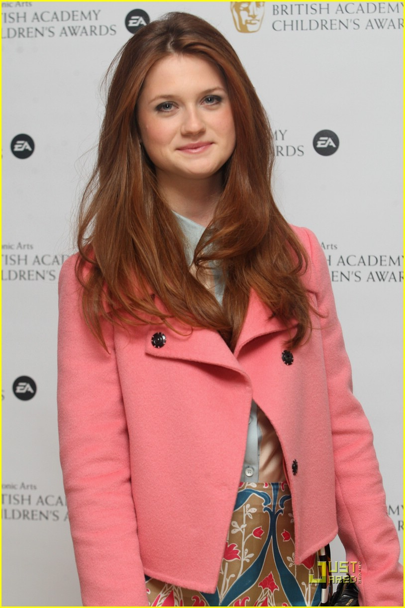 Bonnie Wright - Images Colection