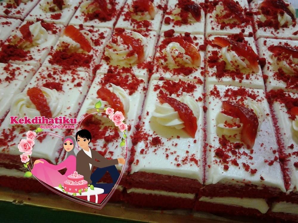 RED VELVET ALA SLICE CAKE 12X12inci = 28pcs
