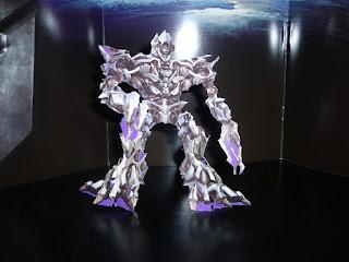 maqueta de papel de megatron de transformers