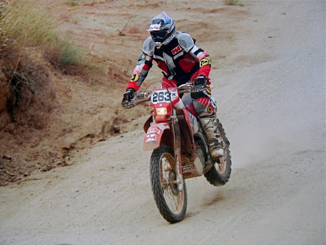 Baja 500 racing the National Kidney Foundation bike. (click photo for story)
