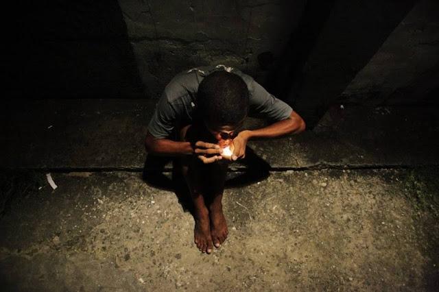 DROGRADO+NAS+RUAS - As Drogas e Suas Consequências