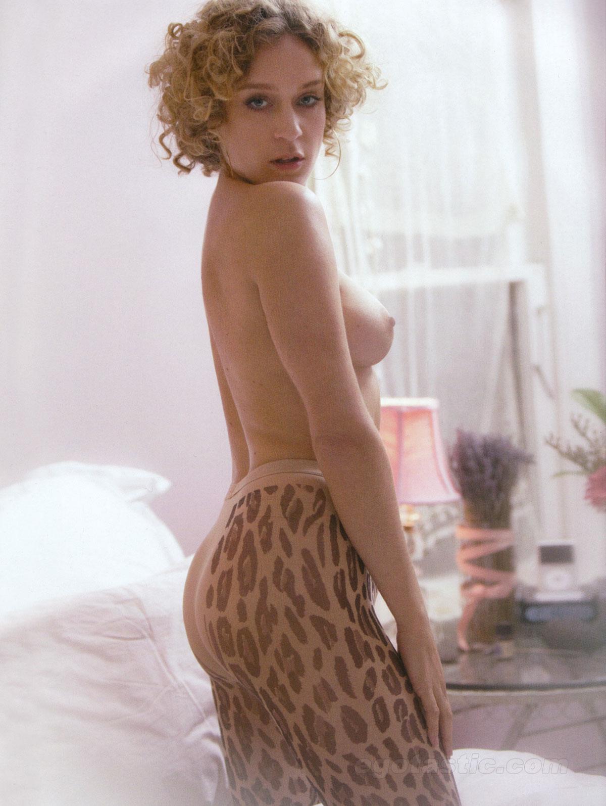 http://2.bp.blogspot.com/-Ypgoj7_0wRQ/TYJ2Ng8vV1I/AAAAAAAAB3M/UzKgDy9hQEU/s1600/chloe-sevigny-topless-blast-mag-02.jpg
