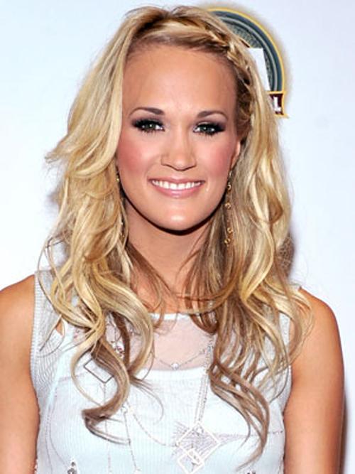 Top Carrie Underwood Blonde Hairstyles